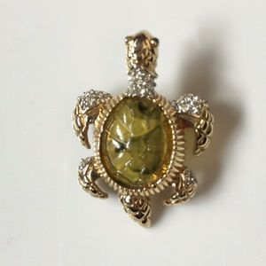 Vintage Jewelry - Vintage Green Glass Gold Tone Turtle Brooch